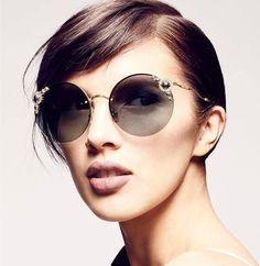 243 meilleures images du tableau SES lunettes de soleil   Sunglasses ... 6ae8e08bb69e