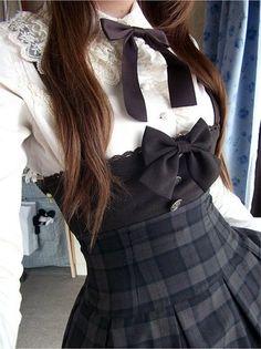 Kawaii fashion lolita want this Japan Fashion, Kawaii Fashion, Lolita Fashion, Cute Fashion, Womens Fashion, Dark Fashion, Gothic Fashion, Gq Fashion, Steampunk Fashion