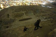 O fotógrafo russo Vitaliy Raskalov registrou em seu blog os relatos de sua recente viagem ao Egito, publicando incríveis fotos tiradas diretamente do topo de uma das Grandes Pirâmides. Insatisfeitos com as áreas permitidas aos turistas, ele e dois amigos ...