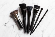 As with any drugstore beauty product, there are too many options. ITG did the research and is here with findings on the best drugstore makeup brushes.