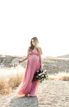 Maternity Shoot in the Fields | M Loves M