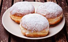 Cele mai pufoase gogosi Beignets, Sem Gluten Sem Lactose, Serbian Recipes, Good Food, Yummy Food, Romanian Food, Nutella, Delish, Food Photography