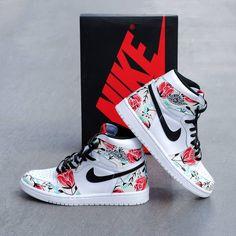 Behind The Scenes By urme. Cute Nike Shoes, Cute Nikes, Cute Sneakers, Nike Air Shoes, Sneakers Nike, Jordan Shoes Girls, Girls Shoes, Jordan 1, Shoes Wallpaper