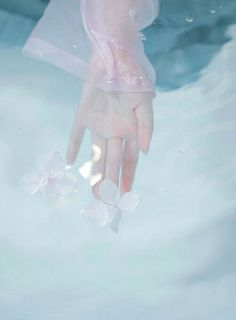 Read from the story Fotos para tus portadas by Namaide with reads. Water Aesthetic, Blue Aesthetic, Howleen Wolf, Hand Photography, Hand Reference, Hand Art, Kingdom Hearts, Aesthetic Wallpapers, Beautiful Pictures