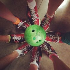 Bowling Party : Inspiration : Great idea for a team photo : Can be framed for the birthday boy or girl
