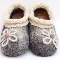 """""""Daisy"""" Handmade Felted Shoes for kids size10 100% lamb wool; knitted decoration 50% alpaca 50% wool; removable insoles are made from felt and sheep skin; soles are protected with non-slip latex layer. This pair is ready to go and you still can order extra of any size #handmade #felted #felt #kidsshoes  #adorable #gifts #shoes #natural"""