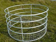 Sheep round bale feeder