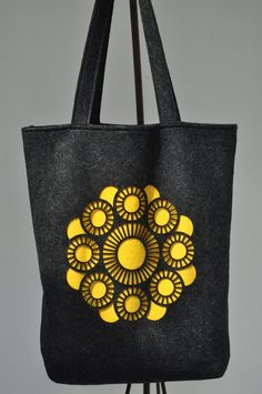 Bijzonder Zeeuws, Tas met Zeeuwse Knop Sewing Art, Painting Flowers, Kids House, Folklore, Van, Tote Bag, Tattoos, Photos, Etsy