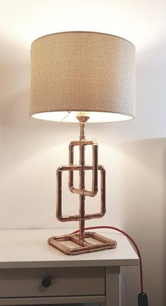 lampe tube Home Depot ? Home Design Diy, Copper Decor, Copper Lamps, Pipe Lighting, Copper Lighting, Copper Furniture, Lampe Tube, Industrial Home Design, Industrial Pipe
