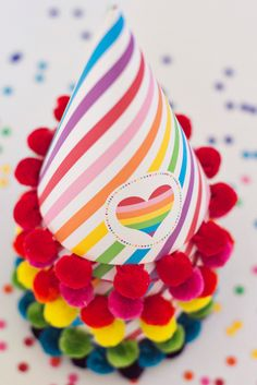 DIY Printable Party Hat - Rainbow Party