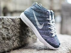 Nike   Lunar Flyknit Chukka - Squadron Blue/Pure Platinum/Obsidian/White