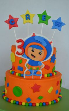 Addie want's an Umizoomi birthday party this year... Check out this cake - Fondant embellishment on BC cake