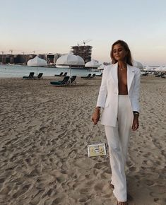 How stunning looks wearing our white tux ? Perfect for the boyish babe but also for every occasion! White Fashion, Love Fashion, 90s Fashion, Trendy Outfits, Fashion Outfits, Fashion Trends, Fashion Ideas, White Tux, Mode Inspiration