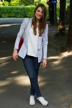 Casual Jeans and Phonz Jacket - Style and Trouble Casual Chic Outfits, Stylish Work Outfits, Business Casual Outfits, Casual Jeans, Casual Attire, Casual Clothes, Fall Outfits, Outfit Jeans, Lässigen Jeans