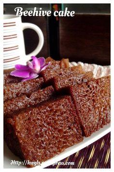 Malaysian Honeycomb cake made with condensed milk, eggs, flour and caramelized sugar. #Malaysian_beehive_cake #kek_sarang_semut #蜂窝蛋糕