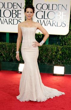 So Kate Beckinsale was actually perfect at the Golden Globes. Really. Not fair she's so pretty.
