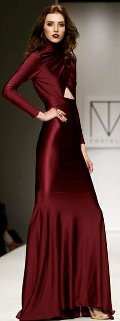 Michael Costello What a stunning gown. Fabulous colour!
