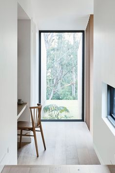 Set on a sloping site in picturesque Red Hill and surrounded by gum trees, InForm's latest project, a collaboration with Pleysier Perkins, has been designed in direct response to its surroundings. When the young family of five approached InForm with their brief, key to all considerations was working with the natural topography.