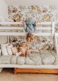 Girls' Room Update -- bunk beds and floral and woodland wall paper Girls Bedroom Decor Design Girl, Little Girl Rooms, Baby Room, Nursery Room, Bedroom Decor, Bedroom Lighting, Bedroom Curtains, Wall Decor, Bedroom Green