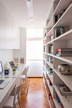 Loft Office, Home Office Setup, Home Office Space, Office Ideas, Modern Home Offices, Small Home Offices, Office Interior Design, Office Interiors, Home Libraries