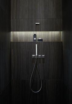 Armani Hotel Dubai - bathroom niche with lighting , excelente idea para baño moderno