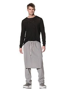 Pants with a front and back apron...tres chic!