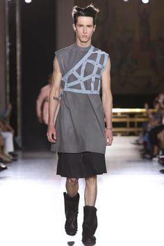 Rick Owens, Menswear, Spring Summer, Fashion Show in Paris… New Mens Fashion, Dark Fashion, White Fashion, Fashion Show, Fashion Design, Rick Owens, Men Wearing Skirts, Man Skirt, 2015 Fashion Trends