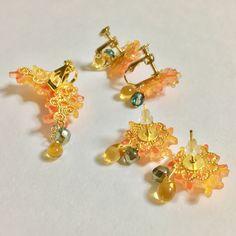 【再販3】金木犀のイヤーカフ All That Glitters, Minne, Resin, Brooch, Jewels, Earrings, How To Make, Stud Earrings, Ear Rings