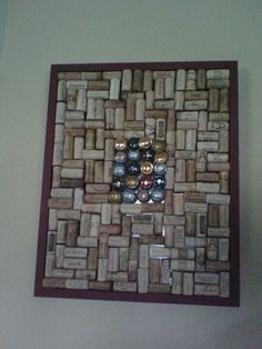Large cork frame with champagne corks in the middle. Lots of memories! in the process of making it bigger :-) Cork Frame, Champagne Corks, Christmas 2014, Middle, Memories, How To Make, Home Decor, Memoirs, Souvenirs