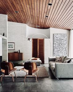 Mid Century Living Rooms Designs Ideas - Browse midcentury modern living room enhancing ideas and furniture designs. Discover design ideas from a range of midcentury contemporary living rooms, . Mid Century Modern Living Room, Mid Century House, Mid Century Modern Design, Modern House Design, Modern Interior Design, Mid Century Interior Design, Natural Modern Interior, Midcentury Modern Interior, Mid Century Modern Furniture