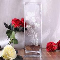 Blumenvase | Glasvase mit Gravur Wunschname und Blumen