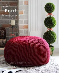 Pouf knitting pattern (free), using ropes or cord to knit with garter stitch pattern, short row techniques to give a perfect top and bottom appearance without leaving any holes.