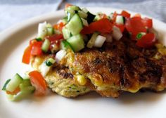 Zucchini & Sweet Corn Fritters with Fresh Tomato-Cucumber Relish Veg Dishes, Vegetable Dishes, Main Dishes, Side Dishes, Sweet Corn Fritters, Zucchini Fritters, Cooking Recipes, Healthy Recipes, Egg Recipes