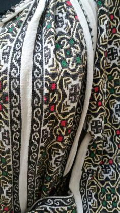 Snake, Flora, Blouse, Women, Seed Stitch, A Snake, Plants, Blouses, Woman Shirt