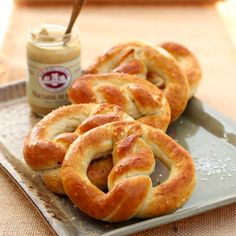 |FashionEdible| OKTOBERFEST - HOMEMADE PRETZELS