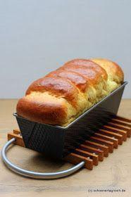 Selbst gebackenes Toastbrot aus Hefeteig in der Kastenform