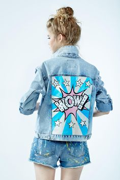 "Denim jacket ""Wow"" of gently blue color. 100% COTTON. Hand painted.Woven label in organic cotton.NOT VINTAGE JACKET!"