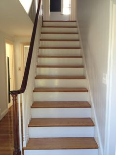 Pretty Painted Stairs Ideas to Inspire your Home Concrete Stairs, Painted Stairs, Elements Of Style, House Stairs, House Entrance, Home Living Room, House Painting, Stairways, House Colors