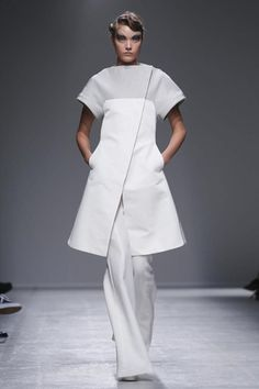 Gareth Pugh Ready To Wear Spring Summer 2014 Paris - Interesting shape,  this could work. Try mixing fabric for a softer look with embellishments for that wedding feel