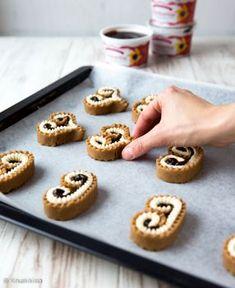 Piparitortut | Kinuskikissa | Bloglovin' Mini Desserts, No Bake Desserts, Dessert Recipes, Clay Food, Christmas Baking, Finger Foods, Bakery, Food And Drink, Tasty
