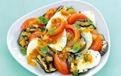 Σαλάτα με ψητές μελιτζάνες, λευκό τυρί και λαδόξιδο Greek Dishes, Ratatouille, Caprese Salad, Better Life, Cooking, Ethnic Recipes, Food, Greek Beauty, Estate