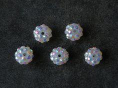Lot 5 Perles résine pour Shamballa 12 mm blanc avec reflet mutlicolores : Perles Synthétiques par jl-bijoux-creation