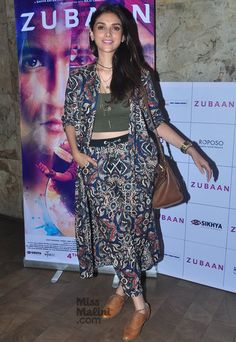 Aditi Rao Hydari's Outfit Makes A Strong Case For Bold Prints Modest Fashion, Trendy Fashion, Fashion Trends, Bollywood Actress Hot Photos, Bollywood Stars, Bold Prints, Western Wear, Hottest Photos, Simple Dresses