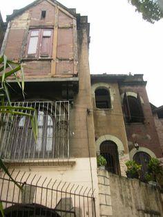 Rio de Janeiro que eu amo: Casarões da Avenida Paulo de Frontin om sua arquitetura peculiar, casarão, em petição de miséria, abandonado e decadente. 11 de nov. 2009.