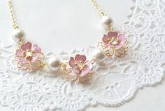 桜とコットンパールのネックレス Minne, Jewelry, Bijoux, Jewlery, Jewels, Jewelery, Jewerly, Fine Jewelry, Jewel