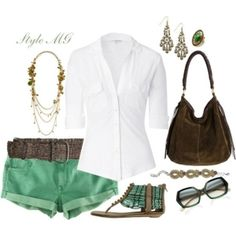 Great outfit for traveling on a cruise, beach or on a girls day hanging with your friends.