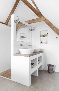 Bad unterm Dach einfach genial eingerichtet. Modern und offen gestaltet. Waschtisch