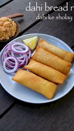 dahi ke sholay recipe, dahi bread roll, bread curd fire roll, dahi ke sholey with step by step photo/video. perfect evening snack with your left over bread. Pakora Recipes, Paratha Recipes, Chaat Recipe, Momos Recipe, Puri Recipes, Cutlets Recipes, Paneer Recipes, Spicy Recipes, Cooking Recipes