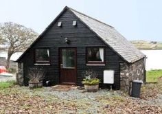 Greshornish Boathouse Dogs-welcome Apartment, Dunvegan, Isle of Skye, Scotland, Scotland Cottage Breaks, 1 Bedroom House, Double Bedroom, Boathouse, Architecture, House Styles, Cottages, Catering, Scotland Trip