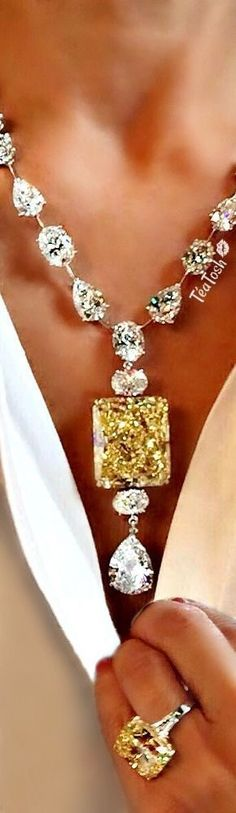 ❈Téa Tosh❈ Fancy Intense Yellow Radiant Cut Diamond Pendant hanging from a necklace Fancy Vivid Yellow Diamond Ring. Brass Jewelry, Luxury Jewelry, Jewelry Box, Jewelery, Jewelry Necklaces, Pretty Necklaces, Yellow Diamond Rings, Sapphire Diamond, M Necklace